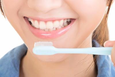 Inilah 10 Kesalahan Yang Sering Dilakukan Saat Menyikat Gigi