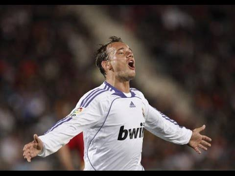 My Best Friend At Real Madrid was Vodka Bottle - Wesley Sneijder