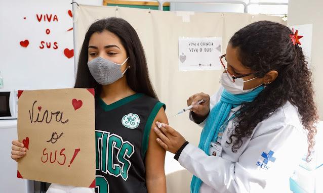 Covid-19: mais de 1 milhão de adolescentes já foram vacinados