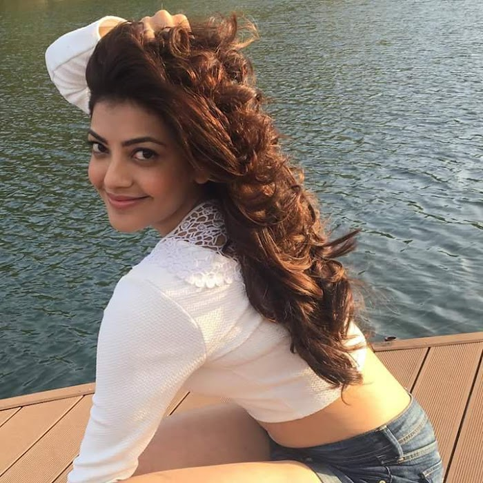 KAJAL AGARWAL HOT NAVEL EXPOSING PHOTO IMAGES :MOST SEXIEST 50 HD PICTURES