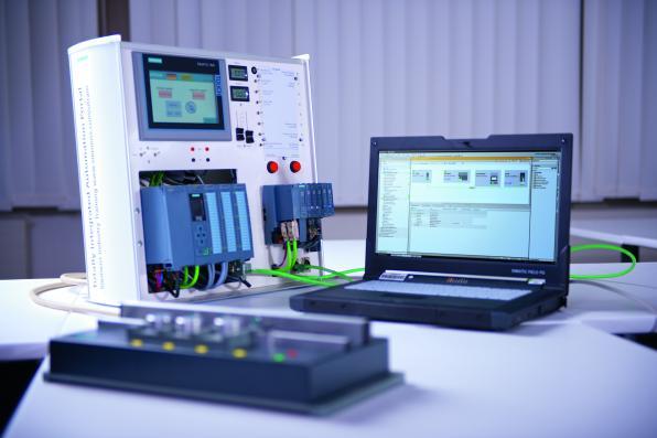 شركة Siemens بتقدم 2 كورس Industrial communications مجانيين أون لاين بشهادات معتمدة من سيمنز