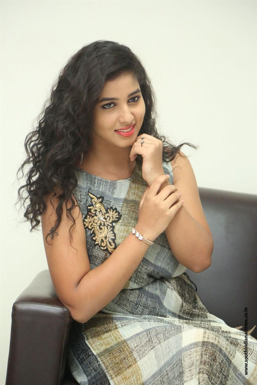 Pavani Reddy Looks super cute at an interview in a sleevless Linen Dress