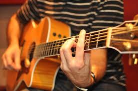 curso gratis online para tocar guitarra
