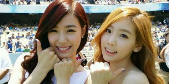 Foto Pose Konyol Tiffany dan Taeoyon SNSD