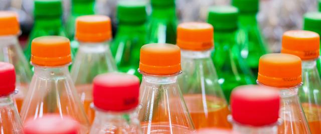Quase 2 milhões de brasileiros estão doentes por conta de bebidas como refrigerante