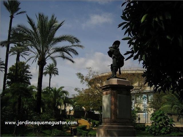 Estatua de Miguel de Mañara