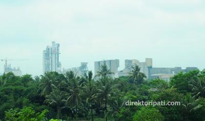 pabrik semen Tiga Roda PT Indocement hijau