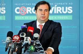 Rodrigo Maia negocia ida ao PSL