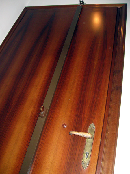Sostituzione serrature venezia pronto intervento fabbro h for Sbarre per porte