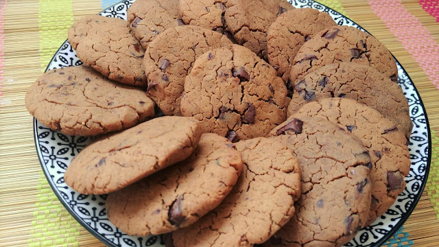 Galletas veganas de garbanzos con chocolate