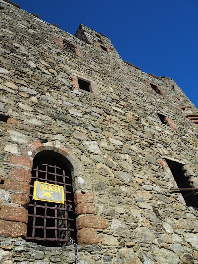loch lee castle scotland