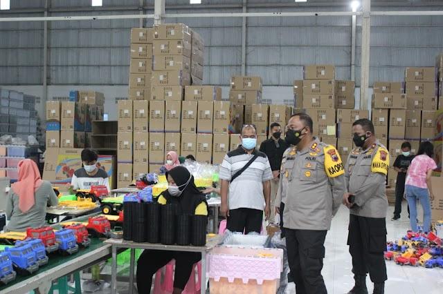 Kunjungan Kerja, Kapolres Demak Cek Penerapan Prokes di Dua Pabrik