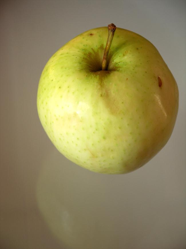 jabłka zapiekane w cieście francuskim