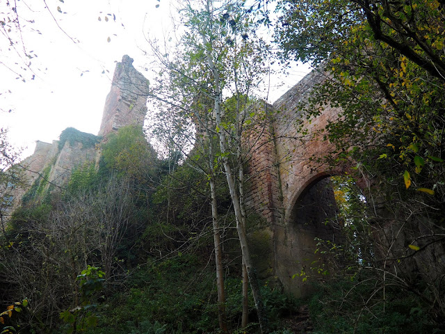 Roslin Castle in Roslin Glen, near Edinburgh, Scotland