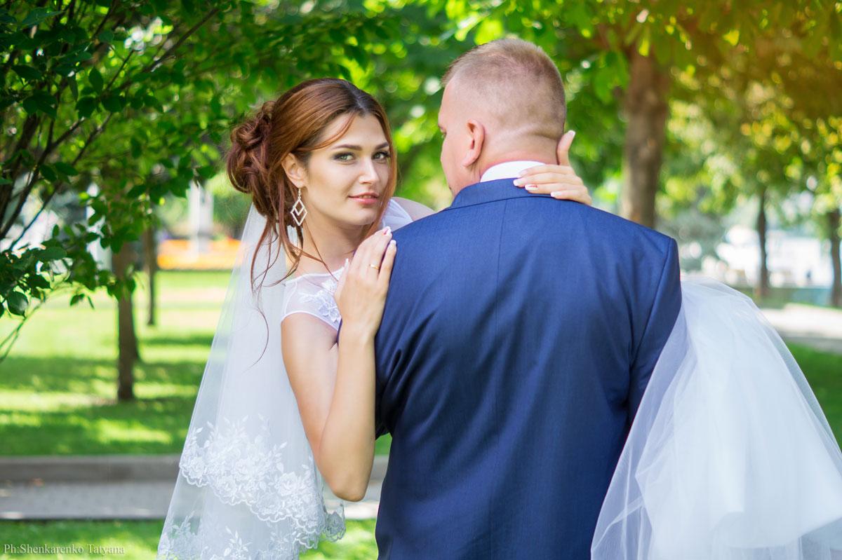 более лучшие свадебные фотографы днепра успешно выполняет все