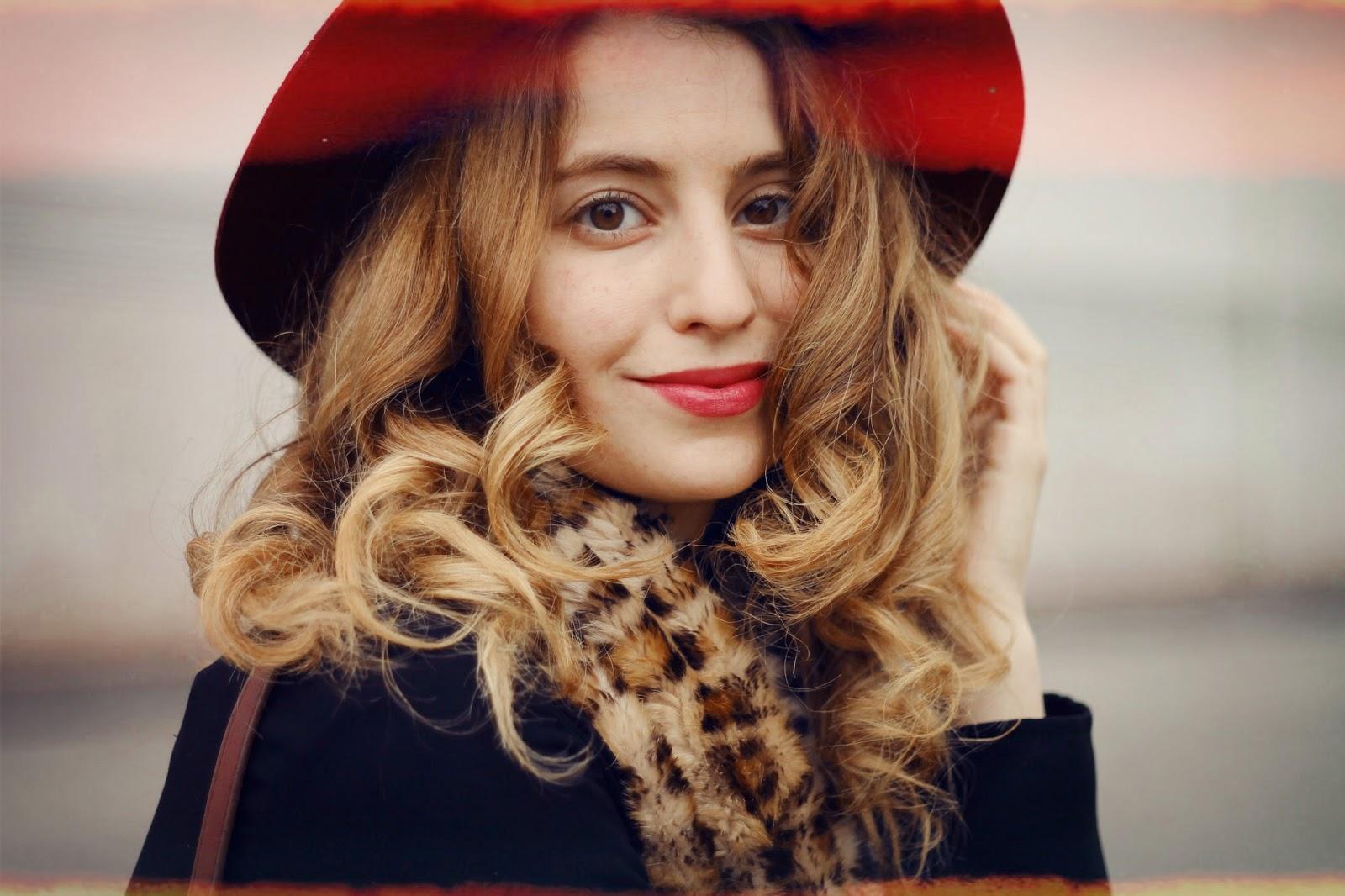 Смотреть русская блондинка от первого лица