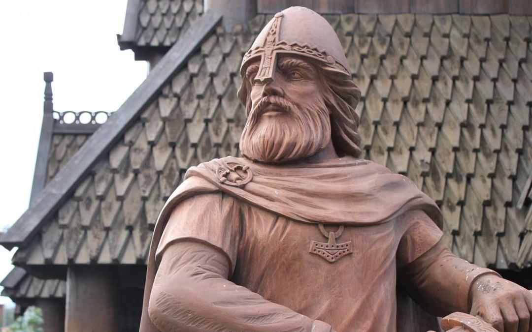 Resultado de imagem para estatua ivar the boneless