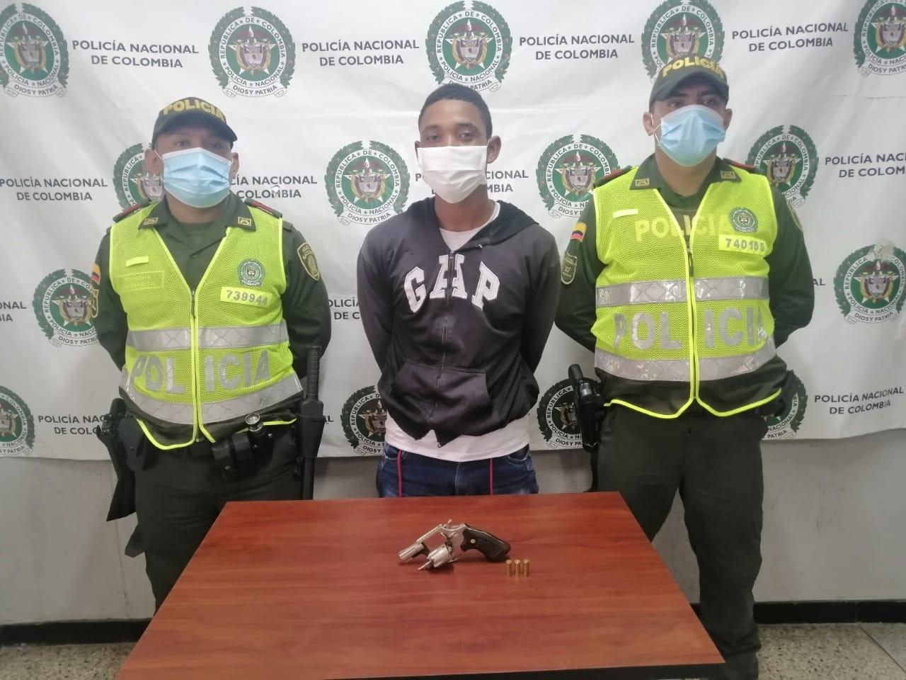 https://www.notasrosas.com/Setra captura tres personas en Riohacha por diferentes delitos