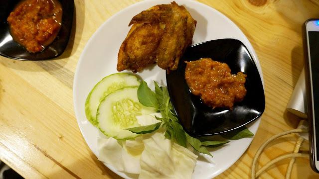 Ayam Kalasan ala Saung Kedah