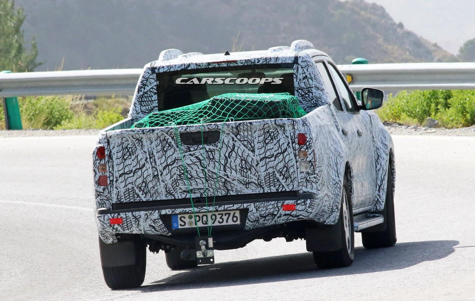 Mercedes-GLT-TestMule-10.jpg