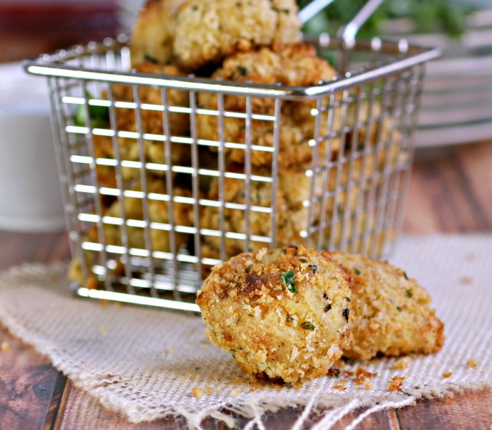 Recipe for a mashed potato and hummus appetizer, breaded and crisped in the oven.