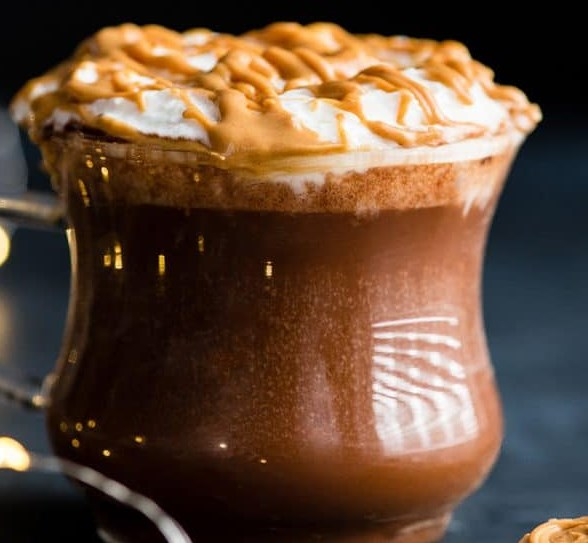 PEANUT BUTTER HOT CHOCOLATE #glutenfree #vegandrink