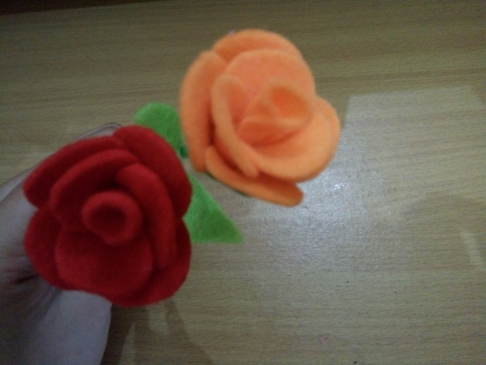 Cara Membuat Bunga Mawar Dari Kain Flanel Beserta Gambarnya