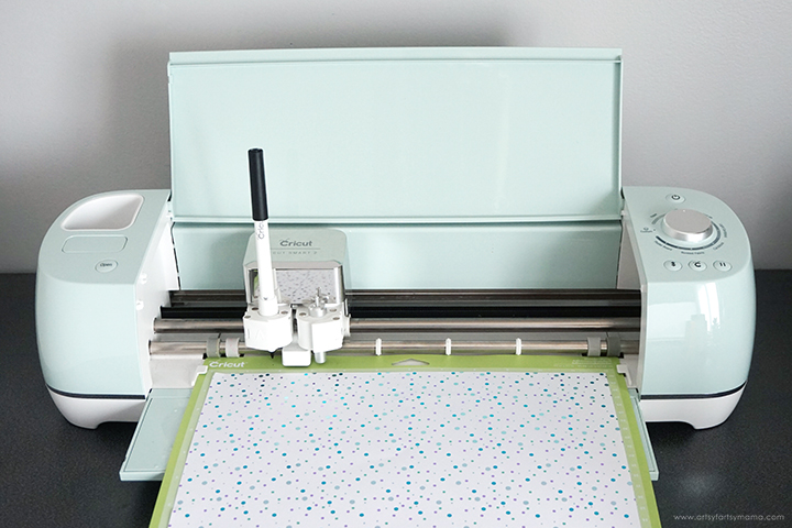 Cricut Explore Air 2 machine cutting cardstock