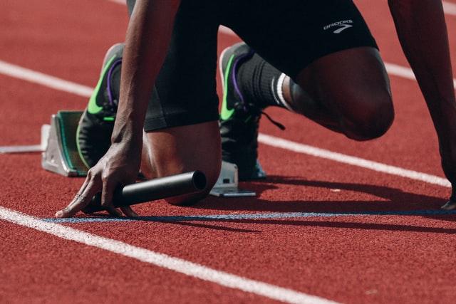 ماهي قوانين الجري السريع