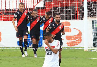 Atlético vence São Paulo, se consolidando na briga pela Copa Sul Americana