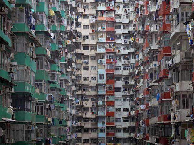 Minuto 1:54 - 'Arquitectura de alta densidad' de Michael Wolf