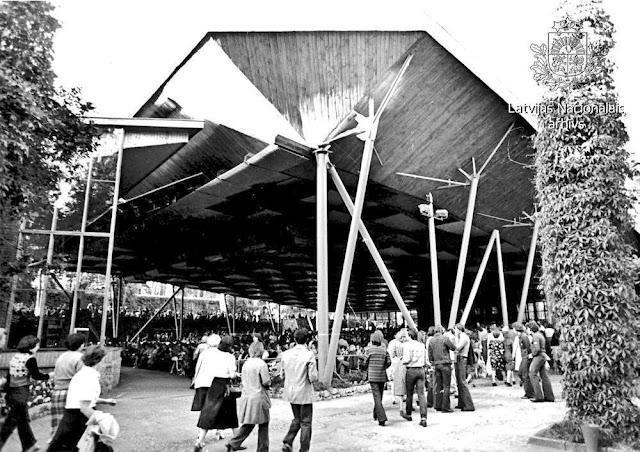 1979 год. Юрмала. Дзинтари. Dzintaru koncertzāles Lielā zāle pulcē skatītājus pirms kārtēja koncerta