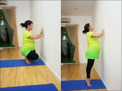 thực hiện các động tác yoga đơn giản với bà bầu