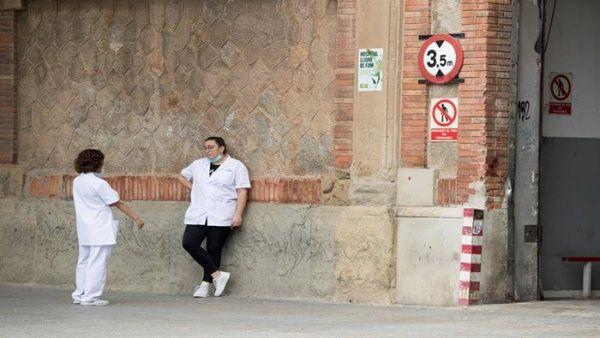 Alertan aumento de contagios en personal sanitario de España