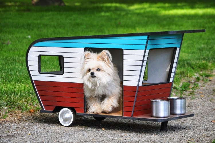 02-2-Cute-Judson-Beaumont-Straight-Line-Designs-Happy-Animals-in-Pet-Trailers-www-designstack-co