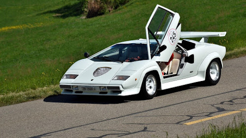 Lamborghini-Countach-11-Interesting-Facts-about-Famous-Car-Brands-that-will-drive-you-crazy
