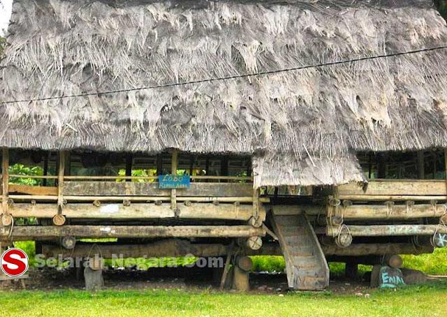 Gambar Lobo Rumah Adat Sulawesi Tengah