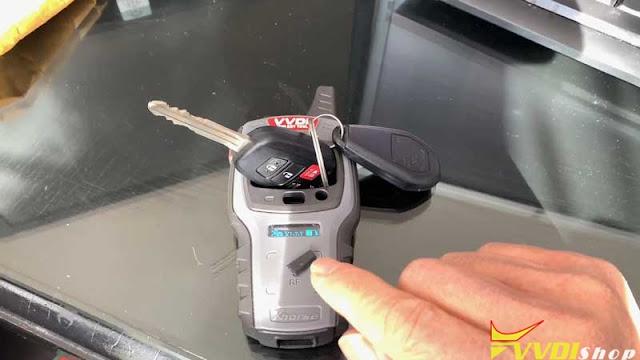vvdi-mini-key-tool-2015-toyota-corolla-1