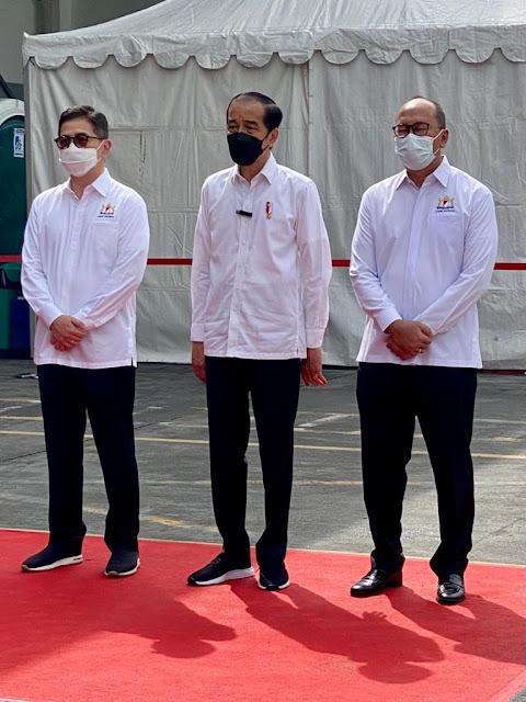 Jokowi dan Arsjad Tinjau Vaksinasi Gotong Royong
