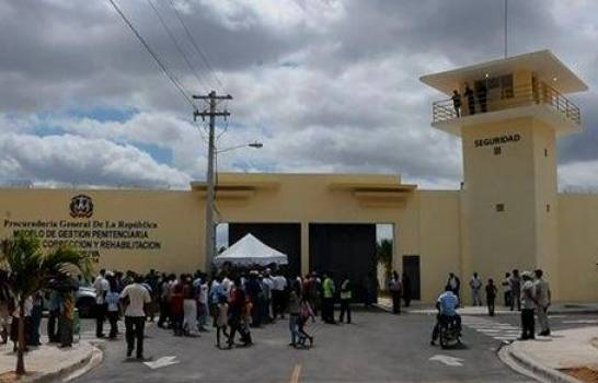 Enfrentamiento entre reos deja un muerto y dos heridos en la cárcel Anamuya, en Higüey