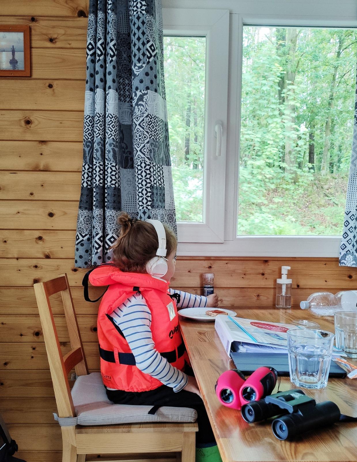 Auf dem Hausboot die Natur genießen