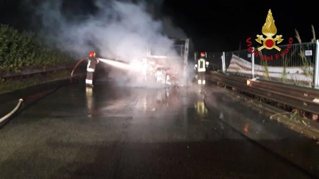 Atac: Un altro bus in fiamme sul Grande Raccordo Anulare
