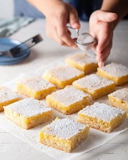 وصفة مربعات الليمون السهلة بعجينة الغريبة
