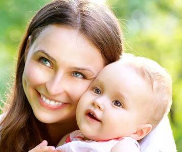 تم العثور على 8 سمات رئيسية في جميع العلاقات العظيمة بين الأم والطفل