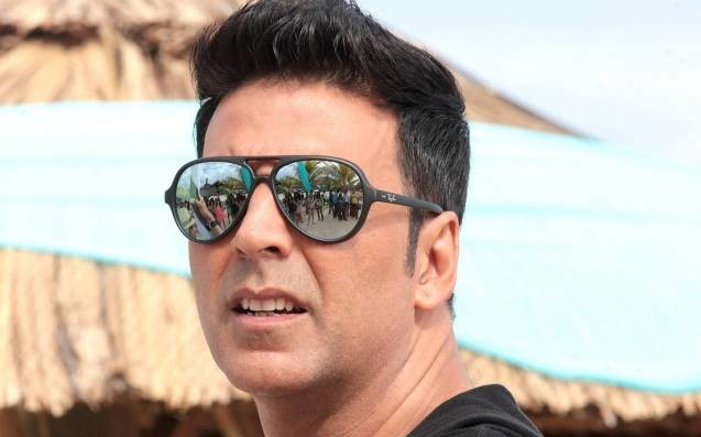 full cast and crew of bollywood movie Toilet - Ek Prem Katha 2017 wiki, Akshay Kumar story, release date, Actress name poster, trailer, Photos, Wallapper