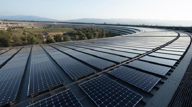 Painéis solares no teto da sede da Apple Park/Reprodução