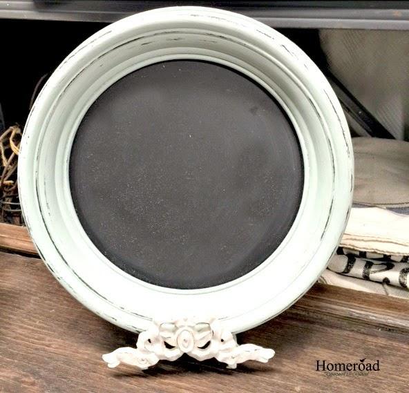 round chalkboard frame on