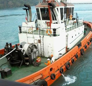 KMK SMS Kartanegara mengalami gangguan mesin di tengah laut