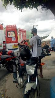 Pacientes chegam passando mal em ambulância na Central COVID em Guarabira