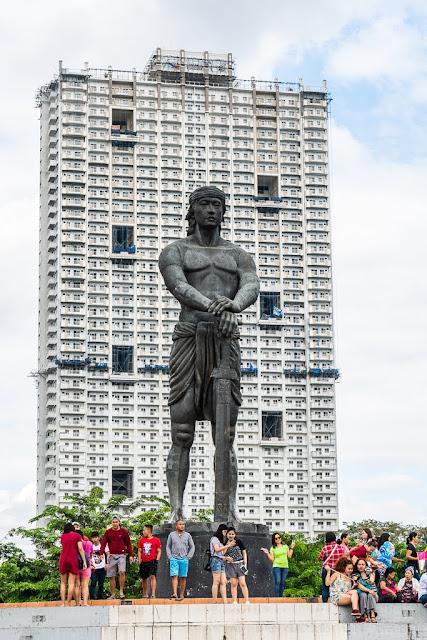 Lapu-Lapu-Rizal-Park-Manille-Philippines